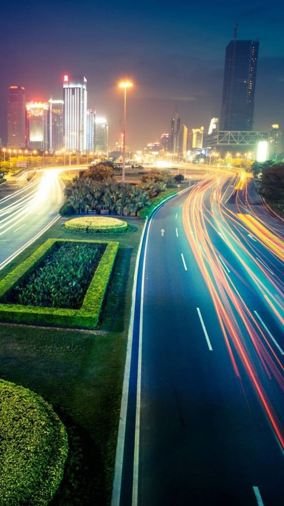 Busy-Traffic-City-Lights-Night-iPhone-6-plus-wallpaper-ilikewallpaper_com