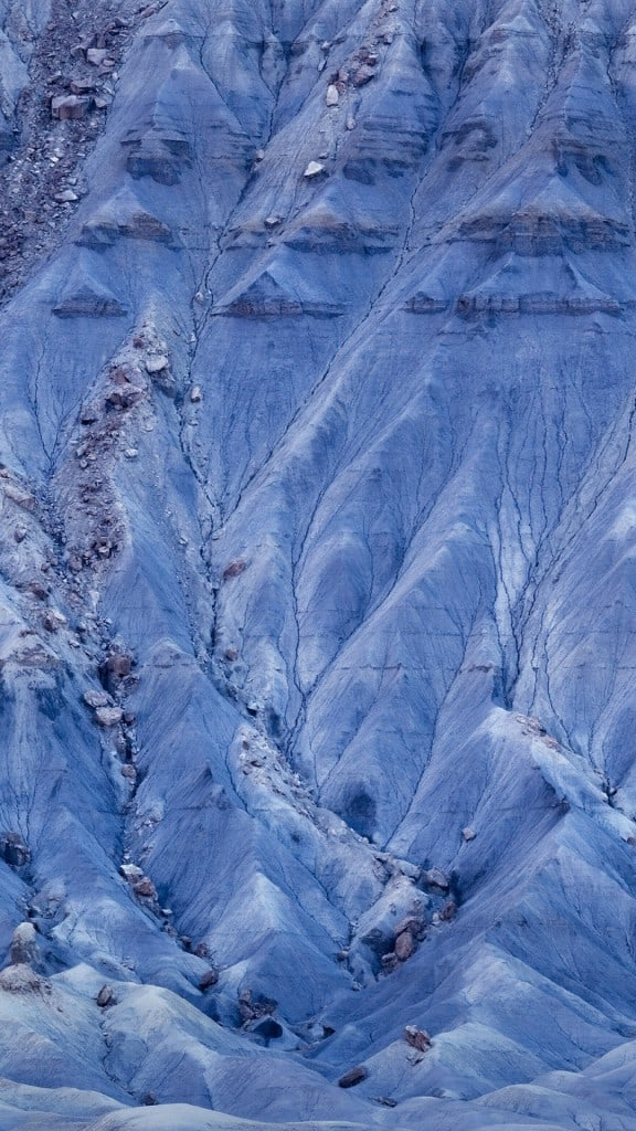 Pure-Rock-Mountains-Background-iPhone-6-plus-wallpaper-ilikewallpaper_com
