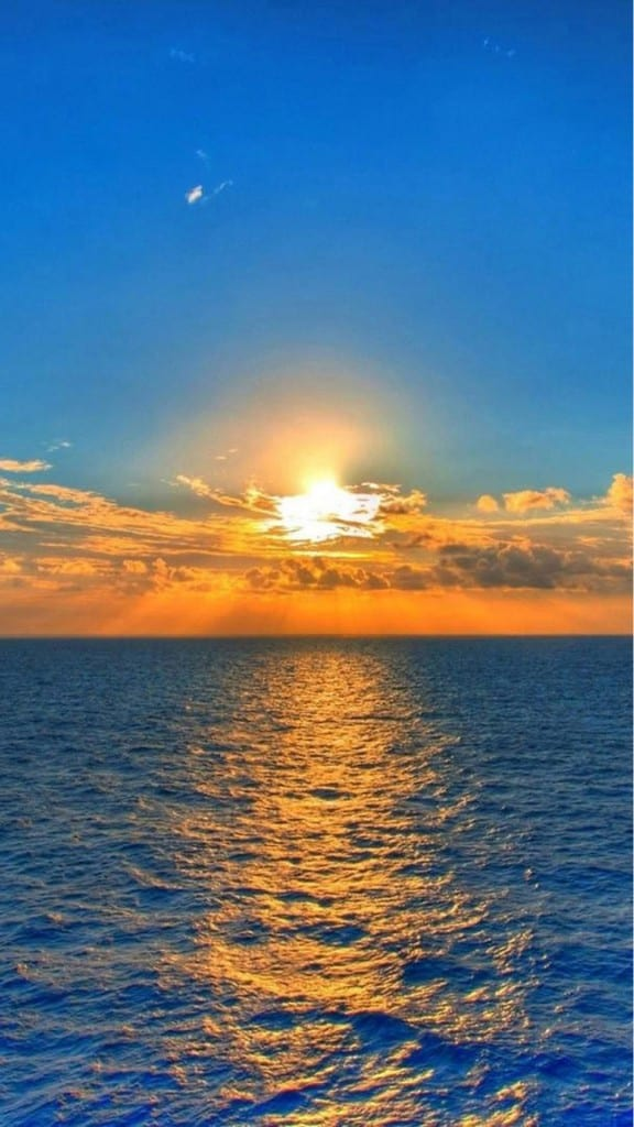 Nature-Fantasy-Sunrise-Over-Ocean-At-Dawn-iPhone-6-plus-wallpaper-ilikewallpaper_com