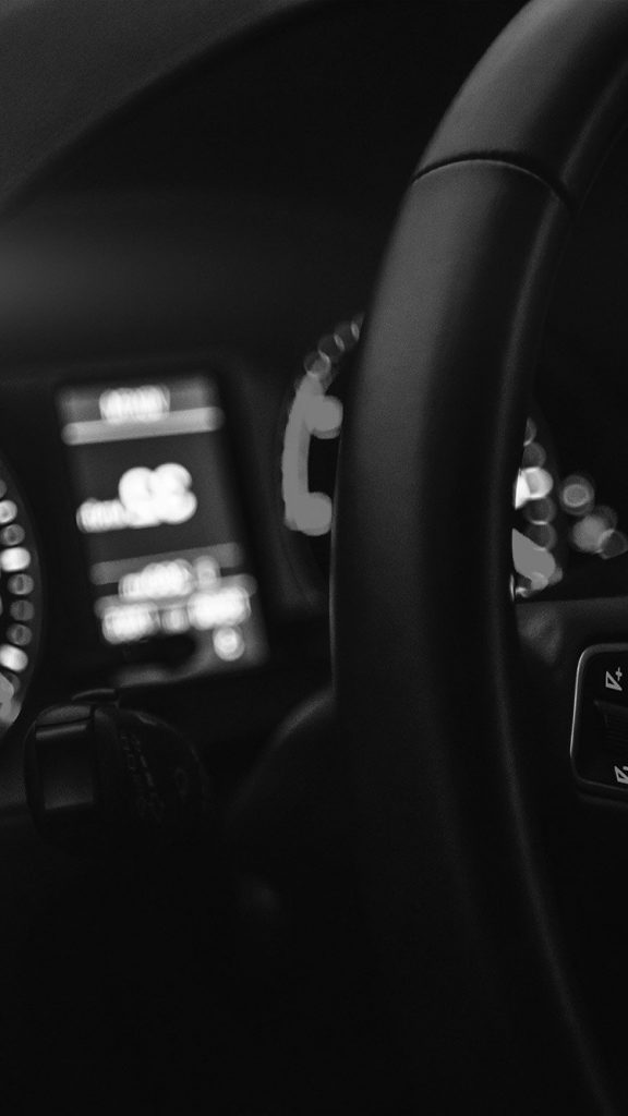 papers.co-mw16-car-audi-drive-interior-motor-man-dark-bw-night-iphone-6